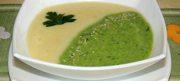 Суп пюре из брокколи и кабачков в тарелке
