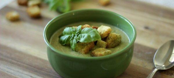 Суп пюре из капусты брокколи с добавлением сыра