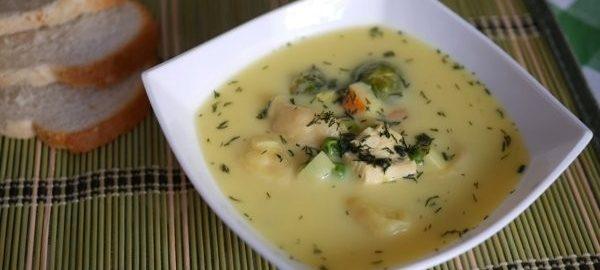 Суп с рулетами из сыра
