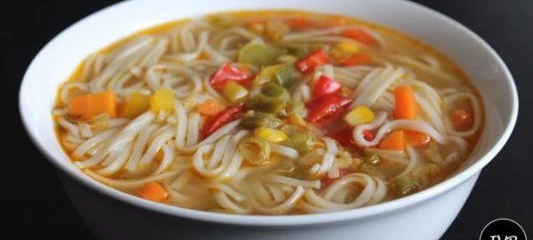 Суп с лапшой и овощами
