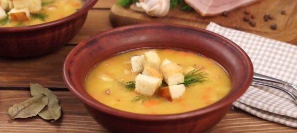 Гороховый суп со свиной корейкой