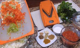 Шинкуем овощи для супа
