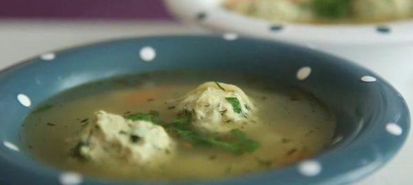 Суп с куриными фрикадельками для детей