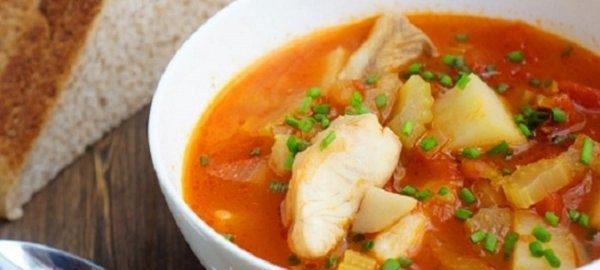 Суп с рыбой и помидорами