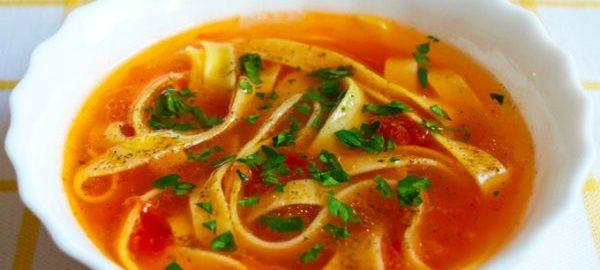 Суп-лапша с томатом