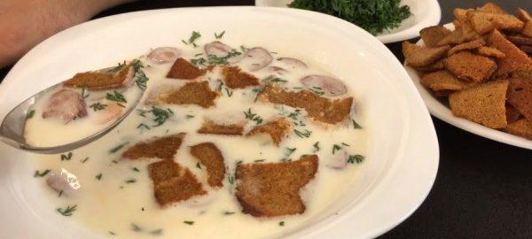 Суп из овощей, сыра и охотничьих колбасок