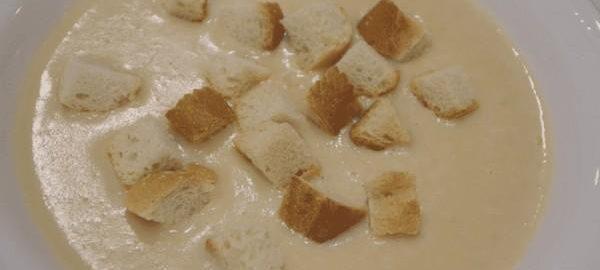 Луковый суп с сухариками