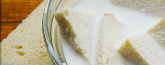 Размачиванием хлеб для котлет