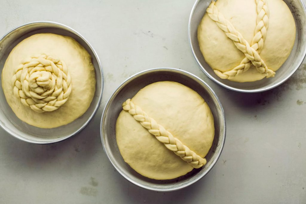 тесто для выпекания пасхального хлеба