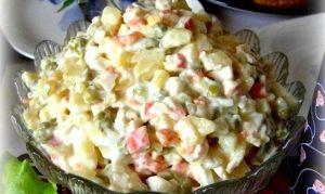 Салат из крабовых палочек с картошкой