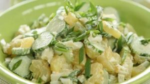Румынский луковый салат