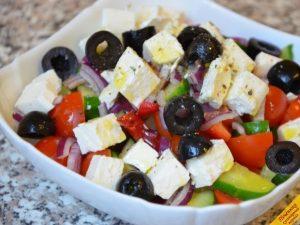 Закуска из овощей в пиале